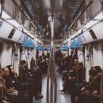 通勤時間を有効活用する方法【おすすめのアプリも紹介】
